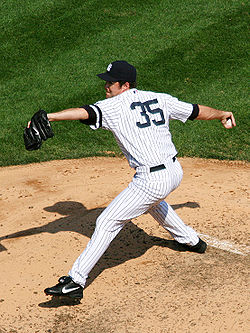 File:250px-Mike-mussina.jpg