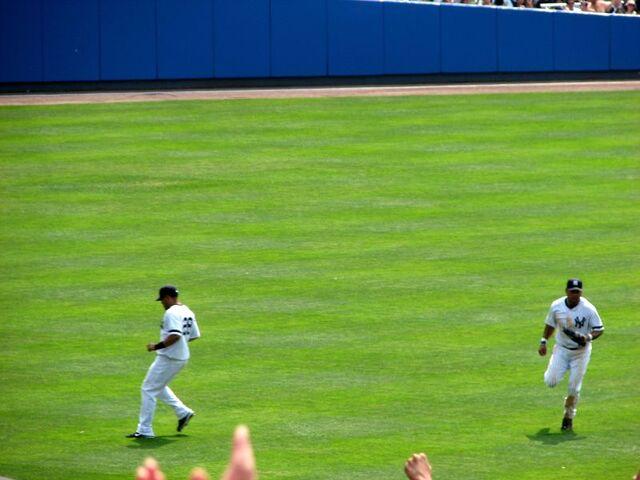 File:Yankee Stadium-1195689596-147.jpg