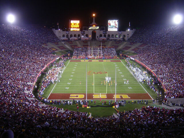 File:Los Angeles Coliseum.jpg
