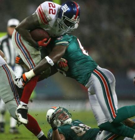 File:57134947-american-football-nfl-miami-dolphins-v-new-york-giants-wembley.jpg