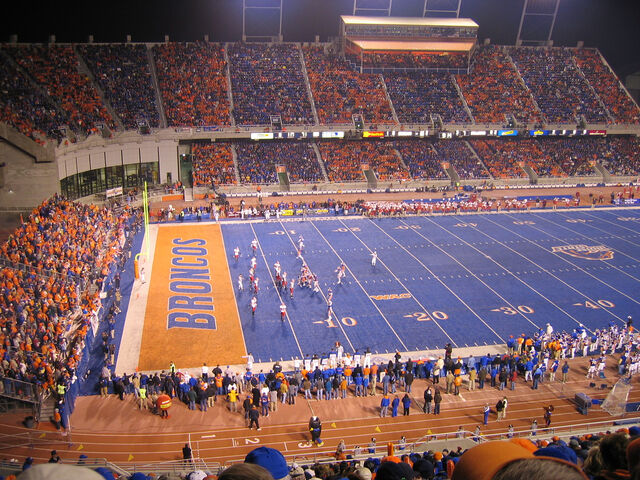 File:Bronco Stadium.jpg