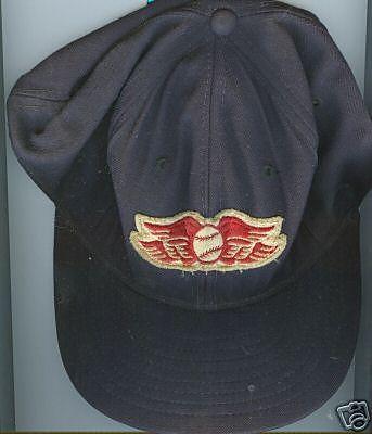 File:1235943199 Red wing hat.jpg