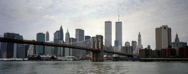 File:Skyline Twin Towers Sander Lamme.jpg