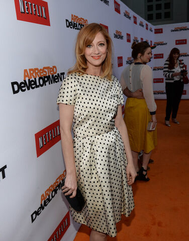 File:2013 Netflix S4 Premiere - Judy Greer 04.jpg