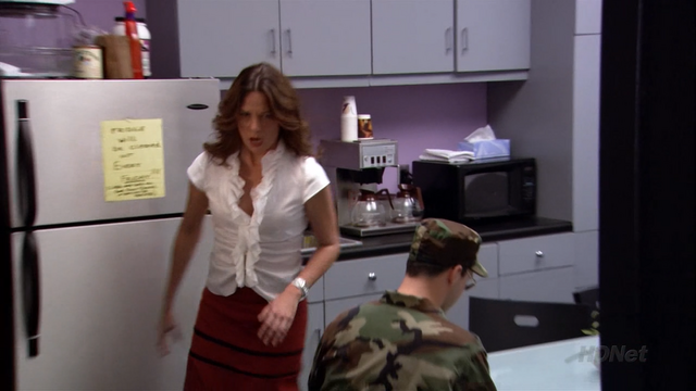 File:2x08 Queen for a Day (57).png
