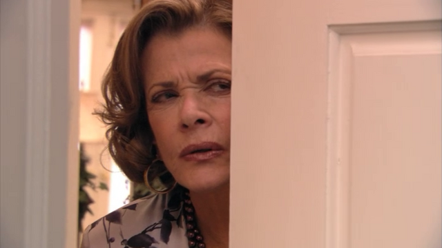 File:2x03 Lucille (2).png