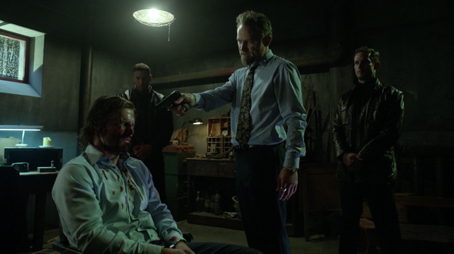 File:Pakhan Gregor about to kill Oliver.png