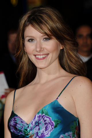 Archivo:Jewel Staite.png