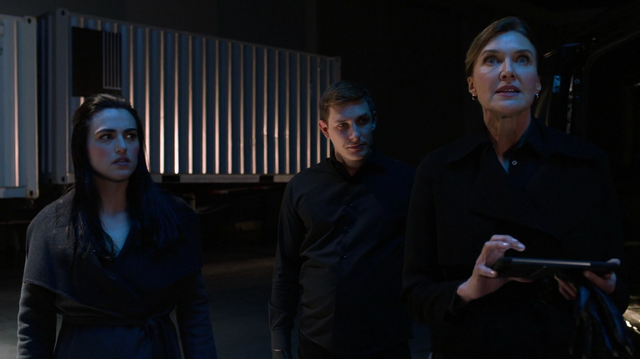 File:Lillian, Lena and Metallo in one of Lex's vaults.png