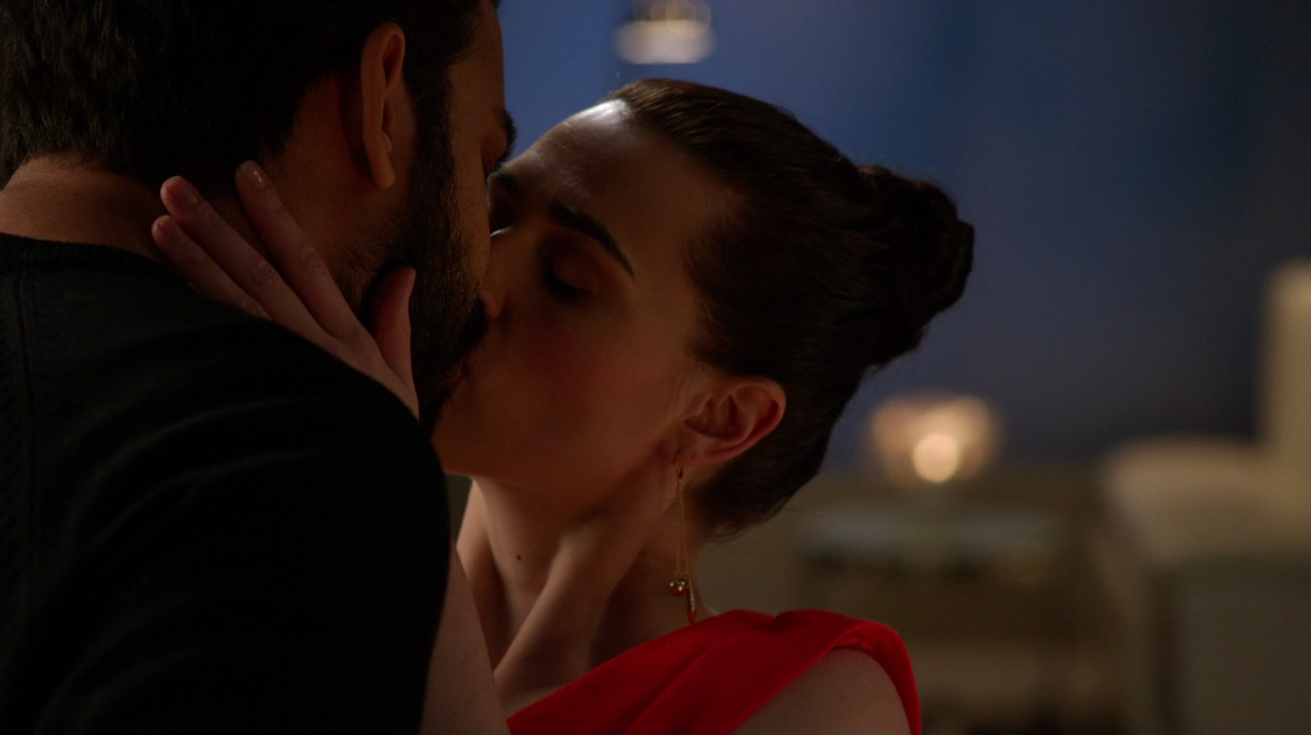 Lena_Luthor_and_Jack_Spheer_kiss.png