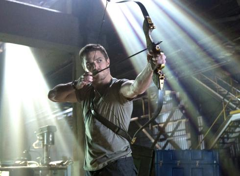 Archivo:Oliver Queen promotional image.png