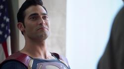 Clark meets his cousin's boyfriend Mon-El