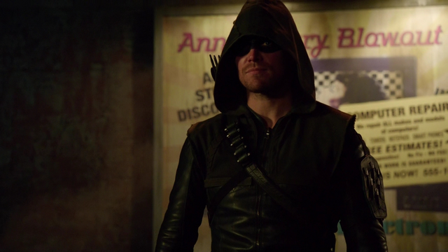 File:Oliver's new Arrow suit.png
