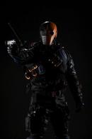 Deathstroke promo full-body