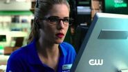 Arrow - Episode 3x01 The Calm Sneak Peek 1 (HD)