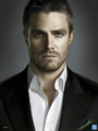 Oliver Queen front-on promo.png