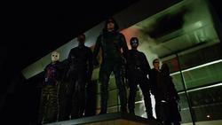 Team Arrow overlook the panic at an outdoor shopping mall