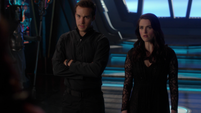 File:Mon-El and Lena confront Rhea.png