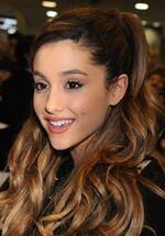 Ariana Grande4