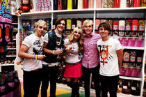 R5 candy store