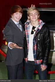 322px-Calum Worthy with Ross Lynch