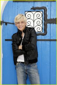 Austin-ally-gallery-pics-01