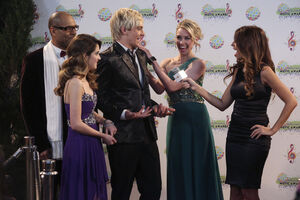 Austin-ally-relationships-red-carpet-stills-05