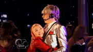Austin & Jessie & Ally Can You Feel It (25)