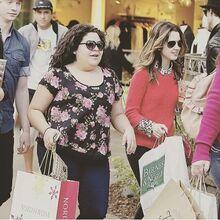 Larni Shopping