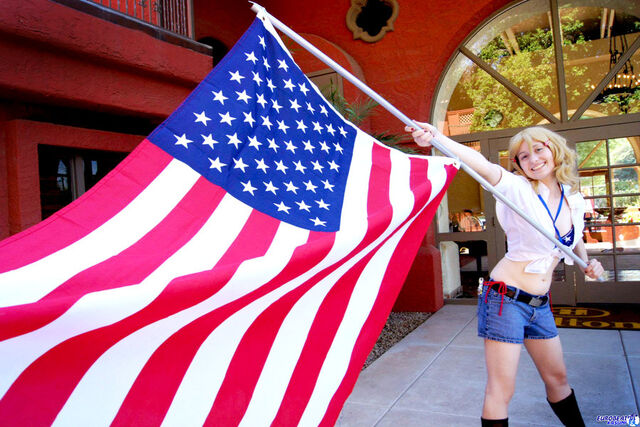 File:Waving the flag of freedom by superweaselprincess-d4cv3mc.jpg