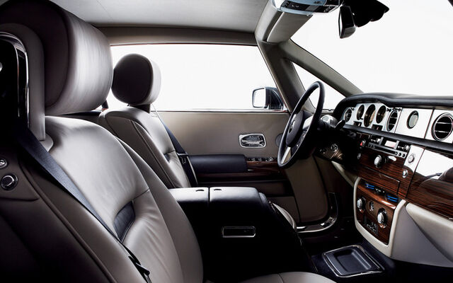 File:112 0608 03z-rolls royce 101ex concept-interior.jpg