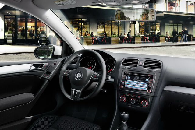 File:2010-VW-Golf-TDI-3.jpg