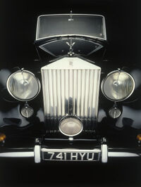Front-end-of-old-rolls-royce