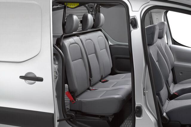 File:Peugeot-Partner-Crew-Van-0014.jpg
