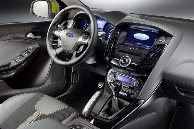 File:2011-Ford-Focus-6.jpg
