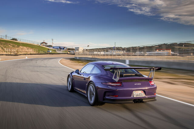 File:2016-Porsche-911-GT3-RS-rear-three-quarter-in-motion-03.jpg