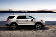 2011-Ford-Explorer-SUV-122