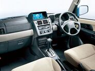 Newcar-pajeroIO2005-cockpit