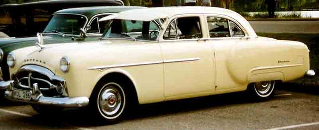 File:Packard 200.jpg