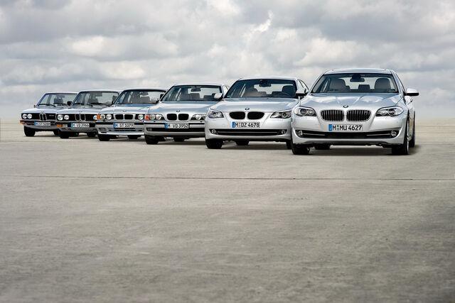 File:2011-BMW-5-Series-73.jpg