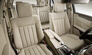 2010-Mercedes-E-Class-Estate-18