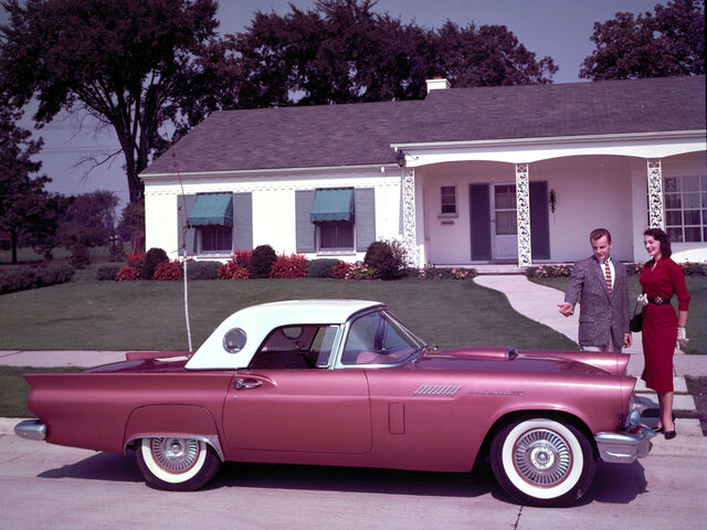 File:1957-Ford-Thunderbird-1600x1200.jpg
