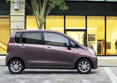 2011-Daihatsu-Move-2small
