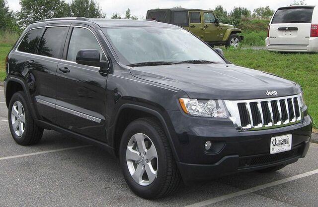 File:2011 Jeep Grand Cherokee Laredo -- 08-13-2010.jpg
