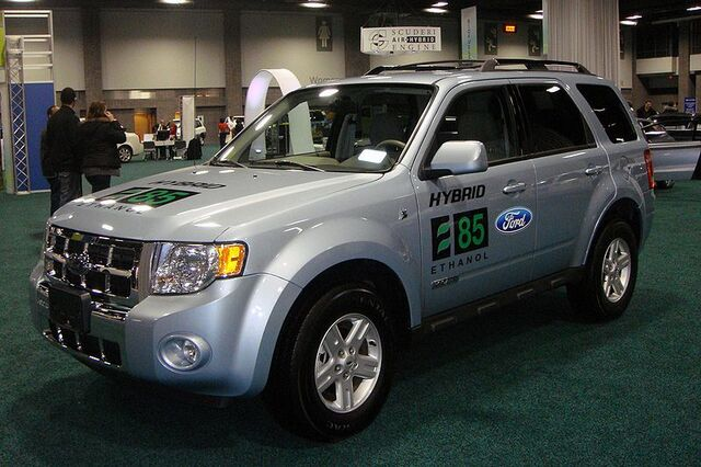 File:Escape E85 Flex Fuel Hybrid WAS 2010 8941.JPG