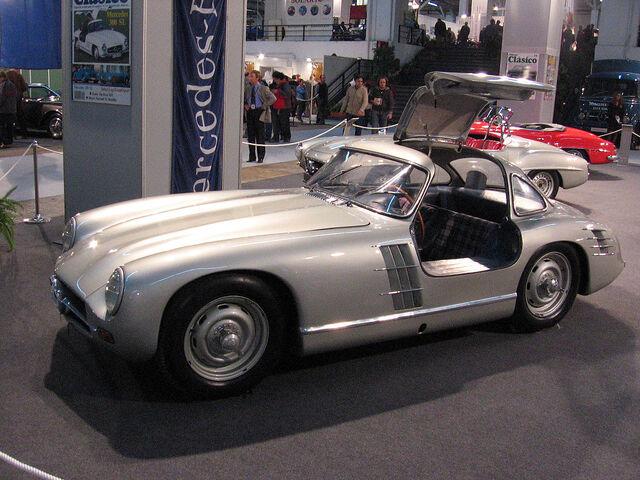 File:Mercedes-Benz 300 SL Transaxle.jpg