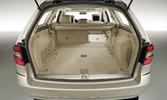 2010-Mercedes-E-Class-Estate-23