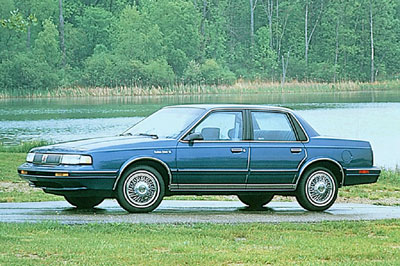 File:1990-96-Oldsmobile-Cutlass-Ciera-95128211990810.jpg