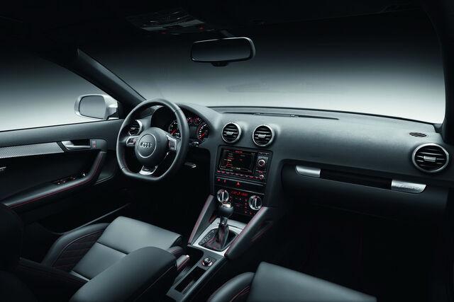 File:Audi-RS3-Sportback-34.jpg