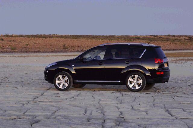 File:Peugeot400710.jpg